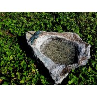 Rottenecker Insektentränke aus Naturstein mit Libelle